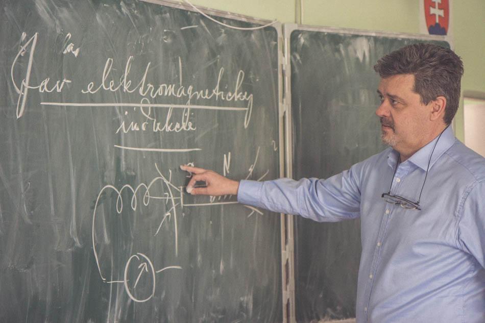 Jaroslav Perniš učiteľ