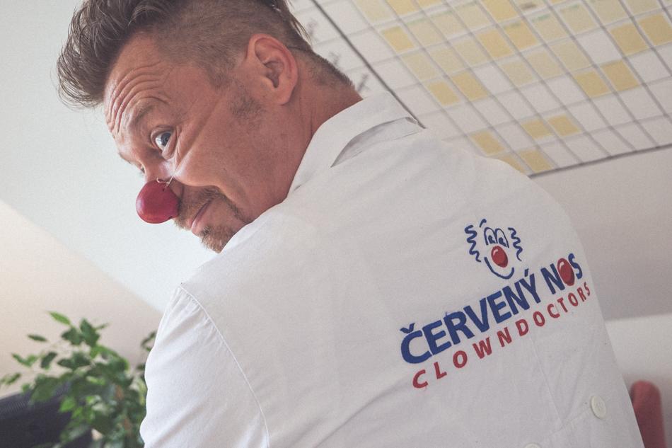 Cerveny nos Clowdoctors