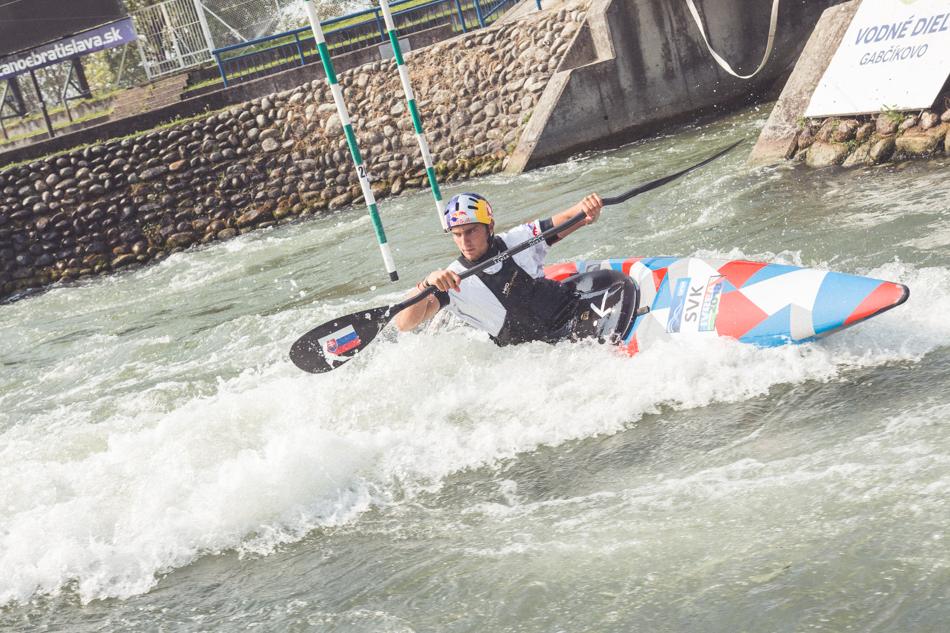 Jakub Grigar vo vode