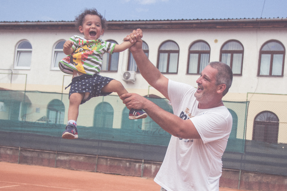 Karol Sudor s dieťaťom