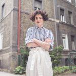 Alžbeta Irhová: Naše nepretriedené šatníky sa stávajú skládkou textilného odpadu
