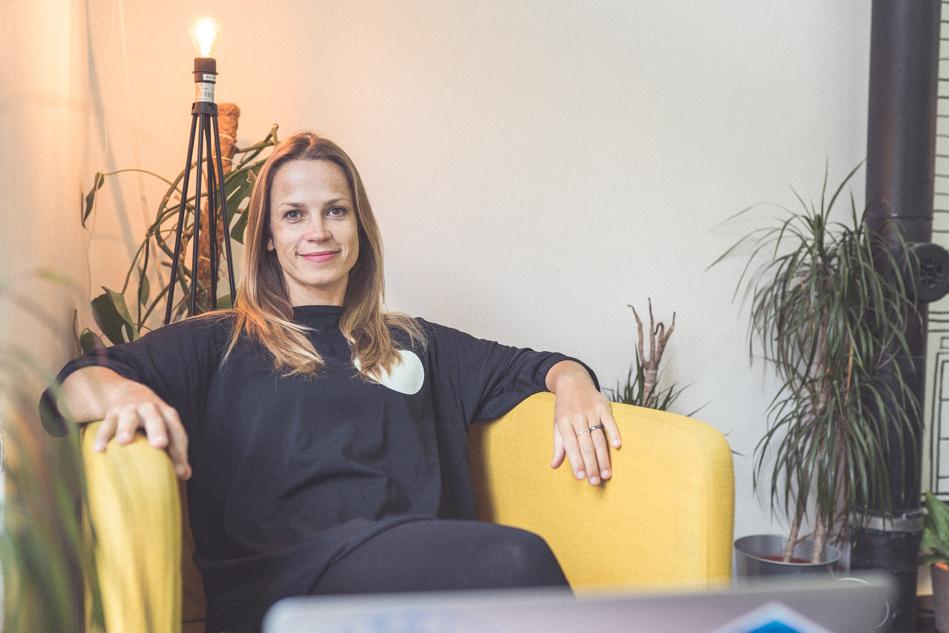 Silvia Púchovská prácuje z kaviarne