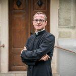 Róbert Ťapušík: Byť kňazom a zároveň manželom nie je nič zlé. Zaviazal som sa však celibátu a rešpektujem ho