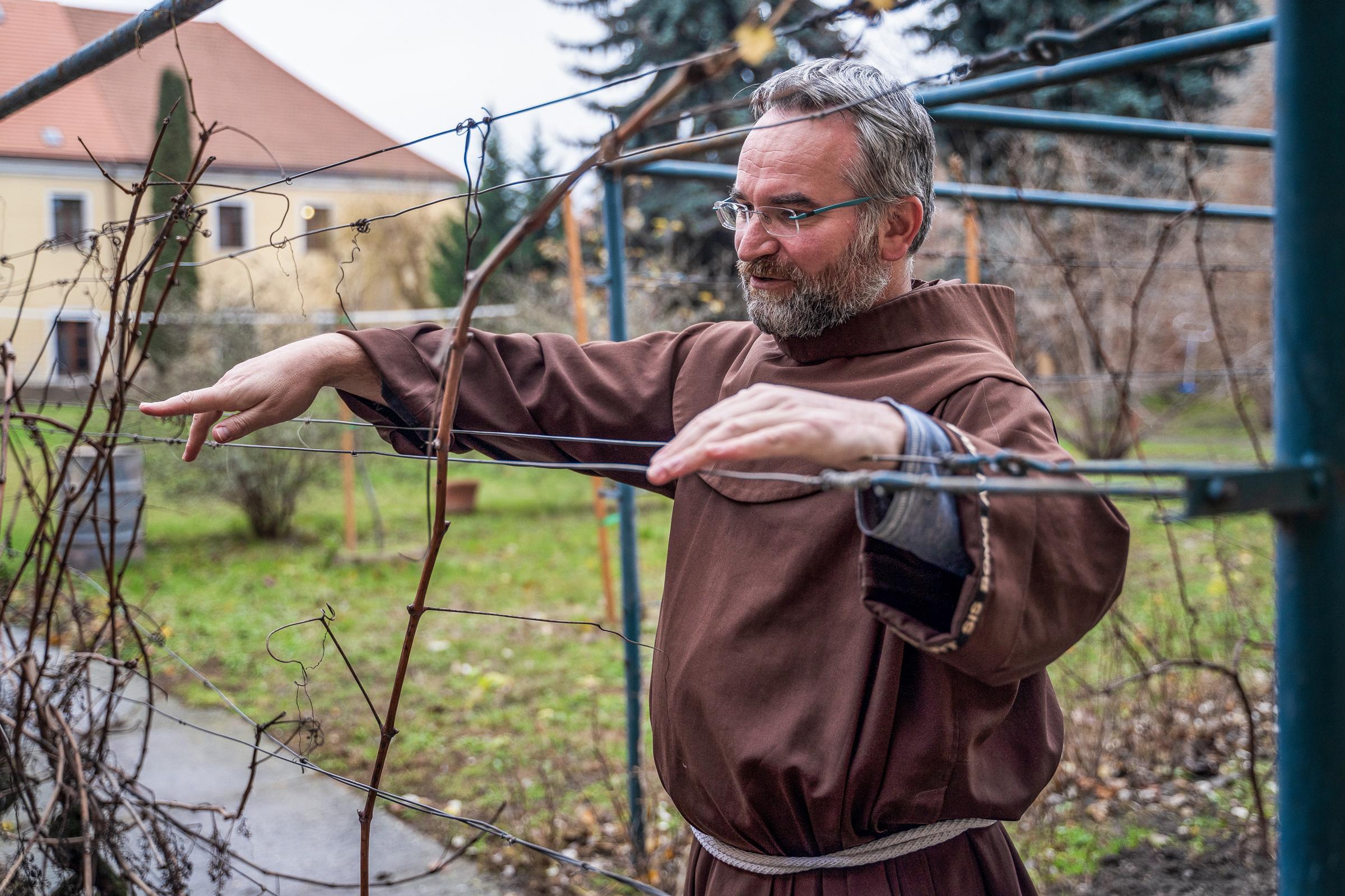 Brat Filip františkánsky kňaz