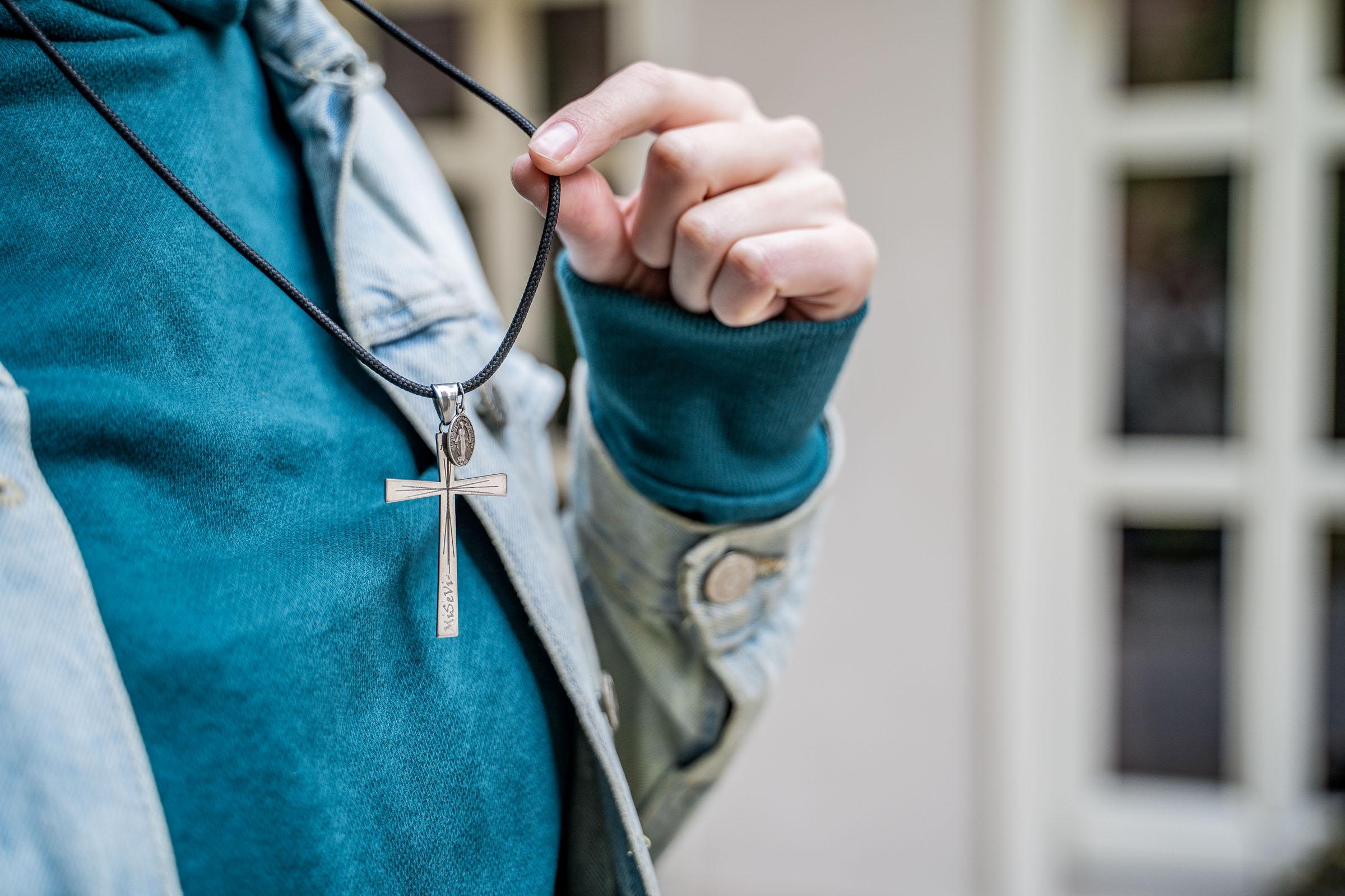 Ingrid Konigová misijný krížik