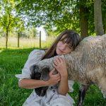 Ria Valovičová: Naše hospodárske zvieratá nechcem zatvárať. Naučili ma nelipnúť na veciach a poriadku
