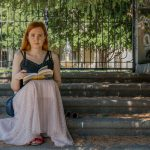 Alena Sabuchová: Keď človek netrávi hodiny scrolovaním na internete, má naozaj dosť času na čítanie kníh